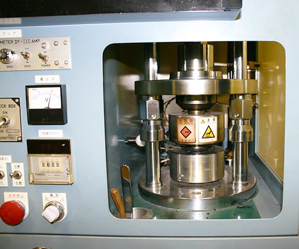 キュラストメーター(加硫試験機)